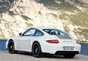 Porsche-911_Carrera_GTS_2011_800x600_wallpaper_0c-e1368564271112