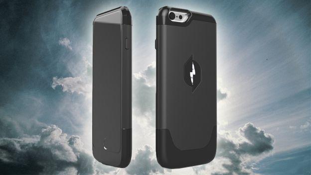 Funda de iPhone que carga el móbil con el aire